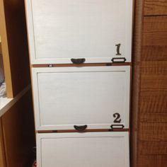 カラーボックスに セリアのコル… | bk2(ビーケーツー) カラーボックスにセリアのコルクボードで扉つけました