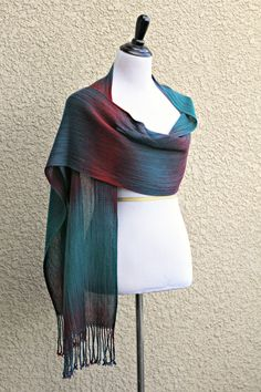 Hand woven scarf, pashmina with gradually changing colors from dark teal (emerald green) to burgundy and red colors. This unisex model will be perfect for both men and women. You can wear it as a scar
