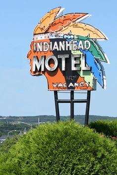 Indianhead Motel sign at Chippewa Falls, Wisconsin, USA Old Neon Signs, Vintage Neon Signs, Old Signs, Advertising Signs, Vintage Advertisements, Retro Signage, Roadside Attractions, Roadside Signs, Business Signs