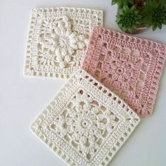 Love scrap use maybe that happens to all old knitters and crocheters lol jh crochet fox crochet gifts love crochet crochet granny crochet squares crochet lace crochet motif crochet stitches crochet patterns – ArtofitCal crochet in boom flower squar Granny Square Crochet Pattern, Crochet Blocks, Crochet Squares, Crochet Blanket Patterns, Crochet Motif, Crochet Designs, Free Crochet, Knitting Patterns, Granny Squares