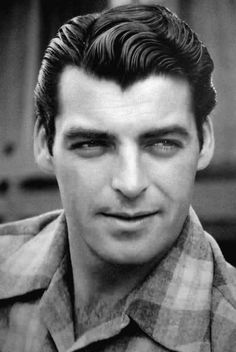 "Rory CALHOUN I met and took a picture with him in 1967 - he was about 6'5"". Very nice man."