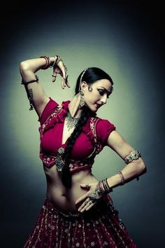 Colleena Shakti / Tribal and Indian fusion belly dance