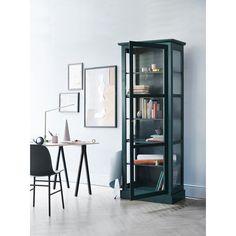Vitrineskap N1, grønn – Lindebjerg Design – Kjøp møbler online på Room21.no