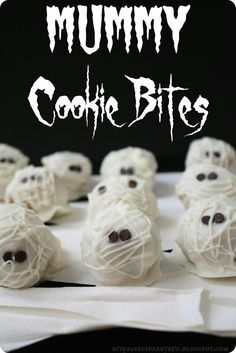 Oreo ball ideas. This or eye balls? TOO CUTE! 31 days of Halloween crafting! http://lela.myitworks.com facebook.com/wraptolose