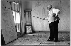 Henri Matisse in his studio, France (1949), photo by Robert Capa