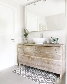 Half bathroom ideas and they're perfect for guests. They don't have to be as functional as the family bathrooms, so hope you enjoy these ideas. Update your bathroom decor quickly with these budget-friendly, charming half bathroom ideas Wooden Bathroom, Boho Bathroom, Family Bathroom, Bathroom Wall Decor, Bathroom Furniture, Bathroom Interior, Home Interior, Small Bathroom, Master Bathroom
