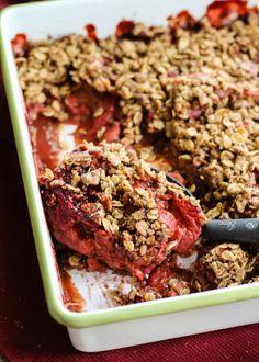 Lightened-up Vanilla Strawberry Rhubarb Crisp (vegan, gluten free)