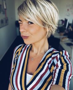 43 new best short hairstyles 2019 you can copy 19 – JANDAJOSS.ME – Great 43 new best short hairstyles 2019 you can copy 19 – JANDAJOSS.ME – The post 43 new best short hairstyles 2019 you can copy 19 – JANDAJOSS.ME – appeared first on Elle Hairstyles . Bob Hairstyles 2018, Short Hairstyles For Women, Long Pixie Hairstyles, Fringe Hairstyles, Choppy Bob Hairstyles For Fine Hair, Female Hairstyles, Woman Hairstyles, Bob Haircuts For Women, New Hair