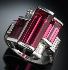 Tourmaline and Diamond Ring. Unfortunately Tourmaline is very expensive and also comes in gorgeous deep green, but I want the pink. Bijoux Art Deco, Art Deco Jewelry, Jewelry Box, Jewelry Rings, Vintage Jewelry, Jewelry Accessories, Fine Jewelry, Jewelry Design, Unique Jewelry