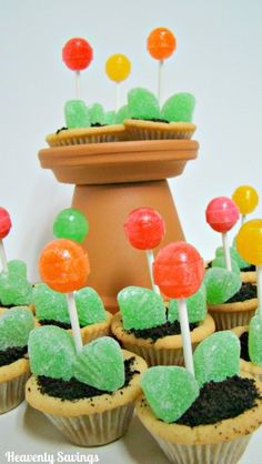 Tulip Cookie Cups. Cute for a birthday!