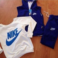 Nike workout clothes for in the chili seasons Cheap Athletic Wear, Cute Athletic Outfits, Cute Gym Outfits, Casual Outfits, Summer Outfits, Nike Outfits, Sport Outfits, Nike Free Shoes, Nike Shoes Outlet