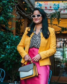 Yellow Pleated Skirt, Satin Skirt, Nyfw Style, Rent Dresses, Yellow Blazer, Blouse And Skirt, Brown Girl, Fashion Group, Summer Essentials