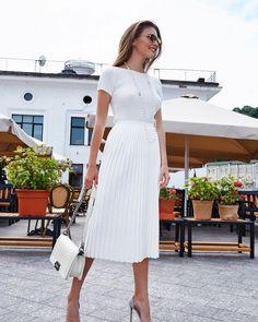On Wednesday we wear WHITE 💕 geanta DiAmanti Bellaria👉diamanti.ro•••#whitebag #whiteoutfit #allwhite #diamantilookbook #diamantibags #fashionlovers #fashioninspo #summerday #hotdays We Wear, How To Wear, Hot Days, All White, White Dress, Shirts, Dresses, Style, Instagram