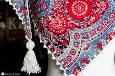 red, white, and blue scarf with crochet and tassel Crochet Picot Edging, Crochet Chain Stitch, Crochet Stars, Thread Crochet, Crochet Stitches, Crochet Hooks, Crochet Patterns, Half Double Crochet, Single Crochet