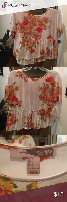 Floral, flowy crop top Floral, light weight, flowy crop top. Size small. Forever 21. Barely worn Forever 21 Tops Crop Tops