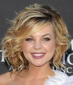 haircuts for round faces with think wavy hair   Looks With Short Haircuts For Thick Hair 2011-2012