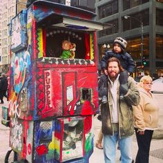 Puppet Bike  •   Various places in The Loop  •    Puppet Bike is a traveling puppet show where puppets dance under a disco ball to oldies songs. It has a perfect five stars on Yelp.  •  •    https://www.buzzfeed.com/annakopsky/best-hidden-gems-in-chicago?utm_term=.rxZKAKo7V