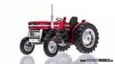 Massey Ferguson 135 Tractor (1/32)