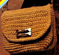 Crochet Bag - three pockets in one bag with free pattern instructions. This is a nice idea for keeping your bag organized.