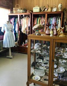 China Cabinet, Bird, Storage, Furniture, Vintage, Home Decor, Purse Storage, Decoration Home, Chinese Cabinet