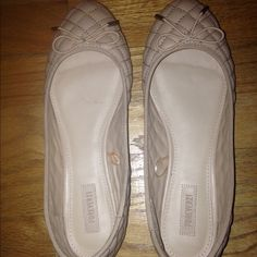 Forever 21 flats Never worn outside forever 21 flats size 8.5 tan with bows Forever 21 Shoes Flats & Loafers