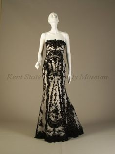 Beautiful evening gown Oscar de la Renta. My most favorite dress ever. ecf74d84e21a