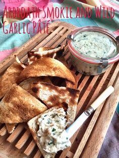 Uk Arbroath Smokie and Wild Garlic Pate - Or Dip. Capitalize on One Of Nature's Most Bountifulseasonal Free Foods - Wild Garlic. Joined With Traditional Scottish Arbroath Smokies To Make A Fantasticaly Tasty Fishy Pate Or Dip. Best Fish Recipes, Best Lunch Recipes, Garlic Recipes, Favorite Recipes, Party Recipes, Shellfish Recipes, Seafood Recipes, Appetizer Recipes, Snack Recipes