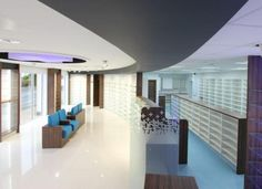 Two newly refurbished pharmacies in Cardiff have showcased EGGER products and decors. The contrasting decors of H3031 ST9 Dark Cordoba Olive and W1000 ST30 Premium White create a light and welcoming atmosphere for clients. Accent colours of turquoise and purple implement expression and personality to the design.