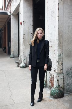Navy & Black (via fashionsquad.com)