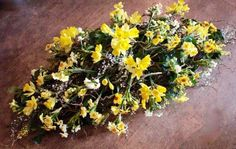 Daffodil Spray (Available in Spring only) | Miss Moles Flower Emporium