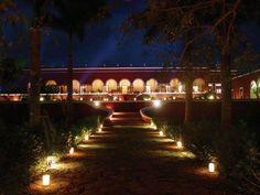 Por hoy nos despedimos con esta bonita imagen de la Hacienda Temozón. Buenas noches! Fuente:@YucatanTurismo http://ift.tt/1m3yoTN