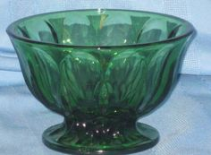 Vintage-Anchor-Hocking-Fairfield-Green-Glass-Compote-Thumbprint-Pattern