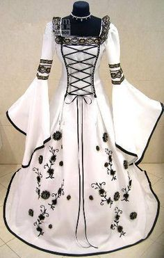 New Muslim White Black Medieval Wedding Dresses 2017 Long Flare Sleeves Flower Ball Gown Bridal Gown Robe De Mariage Wedding Dress Black, Pirate Wedding, Medieval Wedding, Vintage Outfits, Vintage Dresses, Unique Dresses, Bridal Gowns, Wedding Gowns, Backless Wedding