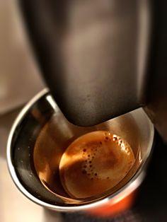 Guten Morgen…leise tröpfelt er vor sich hin der #Dharkan #Kaffee von @Nespresso 😁 #whatelse