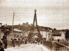 """""""Torre Eiffel"""". Réplica em madeira. Festa dos Tabuleiros de 1914 No ano de 1914, por altura da Festa dos Tabuleiros ou Festa do Divino ..."""
