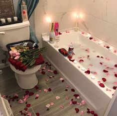 Romantic bedroom ideas for valentines day romantic master bedroom wall deco Romantic Room Surprise, Romantic Bath, Romantic Master Bedroom, Romantic Gifts, Romantic Bedrooms, Master Bedrooms, Romantic Birthday, Bedroom Ideas Master For Couples, Master Suite