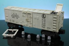 LIONEL 3472 AUTOMATIC REFRIGERATED MILK CAR POSTWAR with SALVAGE PARTS LOT #oldtoysandcollectables #vintage #toys #trains #railroads #dairy #farms #farming