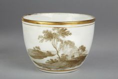 New Hall. Teacup, c. 1800. In the collections of the V&A. View 1.