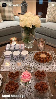 برستيج تقديم الشاي Ramadan Crafts, Ramadan Decorations, Arabian Decor, Coffee Shop Aesthetic, Eid Food, Party Food Platters, Table Decor Living Room, Dinner Party Recipes, Food Decoration