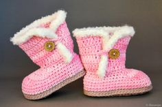 ★★★ Light pink baby Uggs-like booties★★★ Are you looking for an unique and lovely baby shower gift or for trendy and nice booties for your child? These handmade crocheted baby pink baby booties will keep the baby's feet warm and comfortable and also look fantastic! The boots are ready to