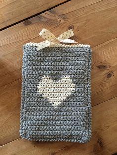 www.justpootling.blogspot.co.ukcrochet tablet cover on the LoveCrochet blog