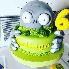 Zombie Birthday Cakes, Zombie Birthday Parties, Leo Birthday, 5th Birthday Party Ideas, Zombie Party, Halloween Cakes, Cake Decorating Tips, Cakes For Boys, Piece Of Cakes