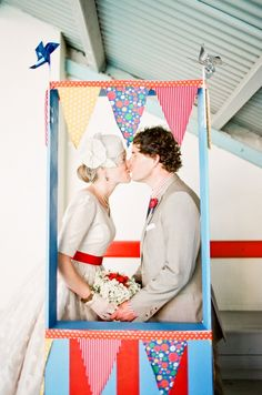 kissing booth. photo by Feather and Stone
