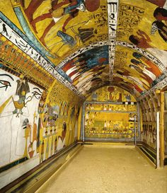 Tomb of Sennedjem - in the Deir El-Medina Necropolis, Ancient Thebes, Egypt Ancient Egyptian Architecture, Architecture Antique, Ancient Egyptian Art, Ancient History, Old Egypt, Egypt Art, Cairo, Visit Egypt, Ancient Mysteries