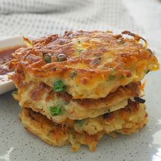 Our Thermomix Vegetable Fritters make a great snack, easy meal or lunchbox treat! We love fritters in our house. They are such an easy recipe to put together and the ingredient combinations are practically endless Baby Food Recipes, Snack Recipes, Cooking Recipes, Recipes Dinner, Dinner Ideas, Cooking Steak, Cooking Bacon, Pie Recipes, Cooking Tips