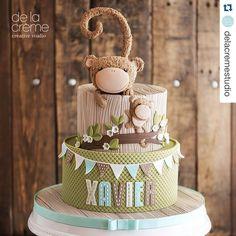 Fofura do dia! #Repost @delacremestudio with @repostapp. ・・・ Fuzzy monkey birthday cake.  #fuzzy #monkey #caketopper #3d #edibleart #birthdaycake #customdesign #original #onetoday #delacremestyle #toocute #maedemenino #festademenino #chadebebe #maternidade #kidsparty #kidapartyideas #festainfantil #bolo #bolodecorado #festamacaquinhos