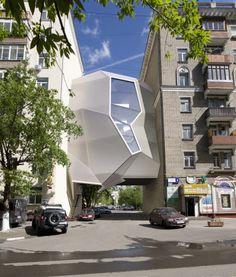 DESIGN D'ESPACE Za Bor / Parasite Office - Moscou => connecter deux architerture, créer une transition, déployer l'espace