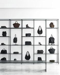 Home Decoration Design Ideas Shoe Store Design, Retail Store Design, Retail Shop, Shoe Shop, Handbag Display, Shoe Display, Display Shelves, Bag Store Display, Jewellery Display