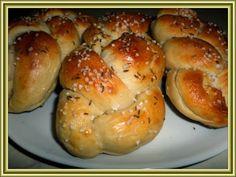 Kouzelná vařečka: Jogurtové domácí housky Bagel, Bread, Food, Meal, Essen, Hoods, Breads, Meals, Sandwich Loaf