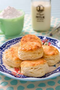 Southern biscuits with only 3 ingredients. Biscuits and honey butter is my favorite quick bread. Yummy!